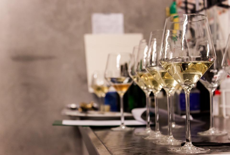 wine-glasses-1237346_960_720