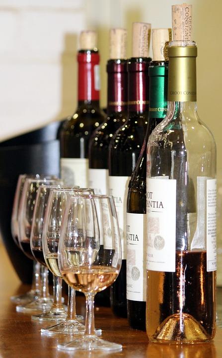 wine-tasting-1376267_960_720