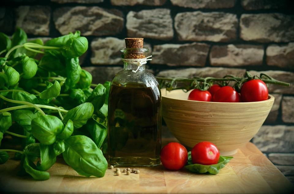 olio basilico pomodori