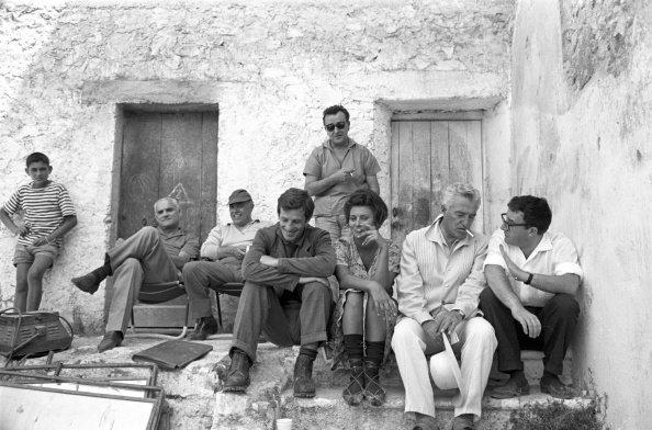 the visionAlberto Moravia, Carlo Ponti, Sophia Loren, Jean Paul Belmondo, Vittorio de Sica, e altri membri del cast del film 'La ciociara', 1960